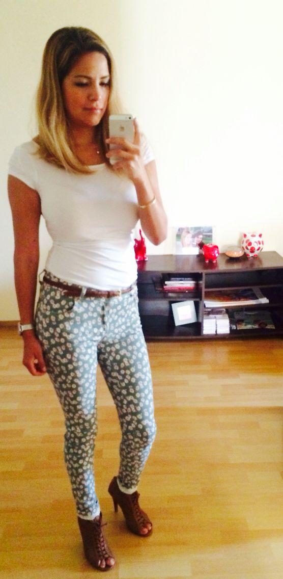 Blusa H&M, Pantalon NOW, sandalias FORESTA