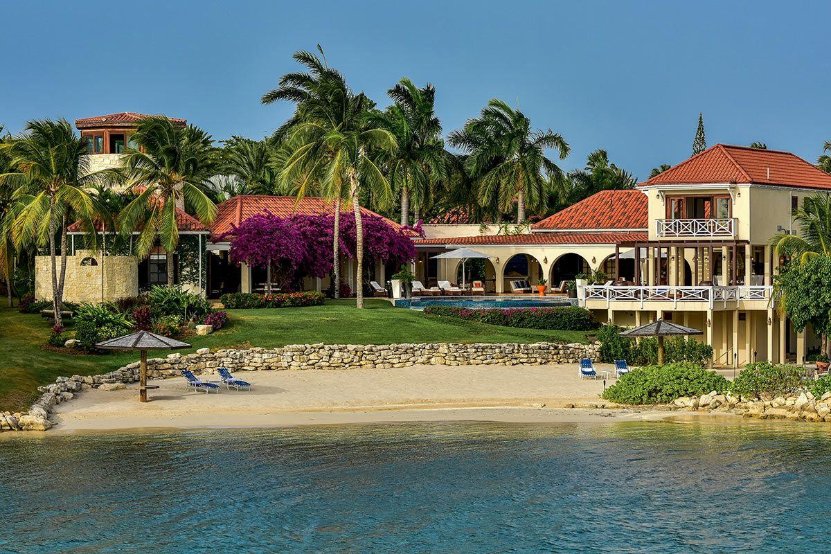Blue Pelican Villa with private pool, Vacation villas