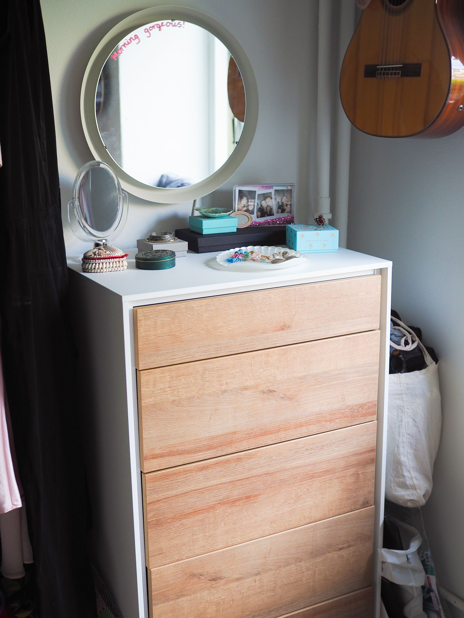I am changing up our home as we are getting ready for the arrival of a little family addition! As stoked as i am for the new i LOVE looking back at pictures of what my home used to look like! Just like me my home is growing and evolving!  #nordicinspiration #mynordicroom #mynordichome #interiorstyled #topstylefiles #houseenvy #smallspacesquad #greathomestaketime #mycolourfulhome #colourmyhome #interiormilk #myhouseandhome #howihome #mystylednest #stylishhomevibes #homestory #shareyourparadise
