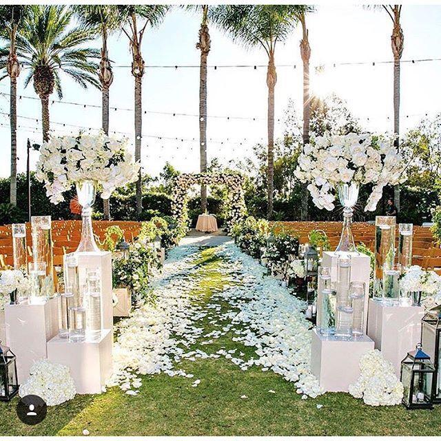 Stylish Wedding Ceremony Decor: Luxurious Weddings Image By Anri Khachatorian