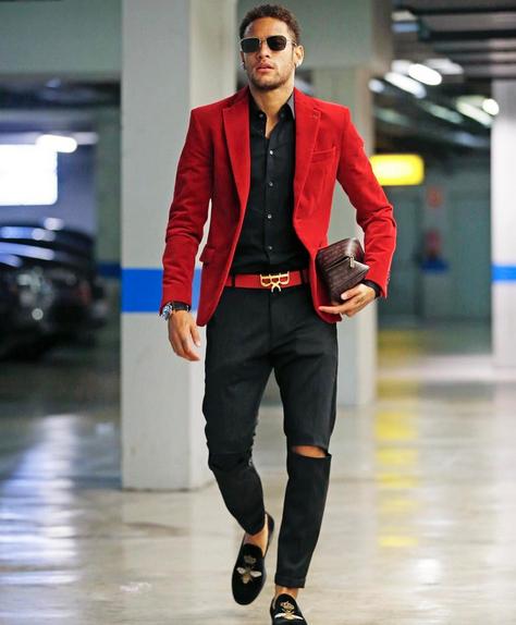 Neymar,a,semble,t,il,retrouve,de,la,stabilite,avec,Bruna