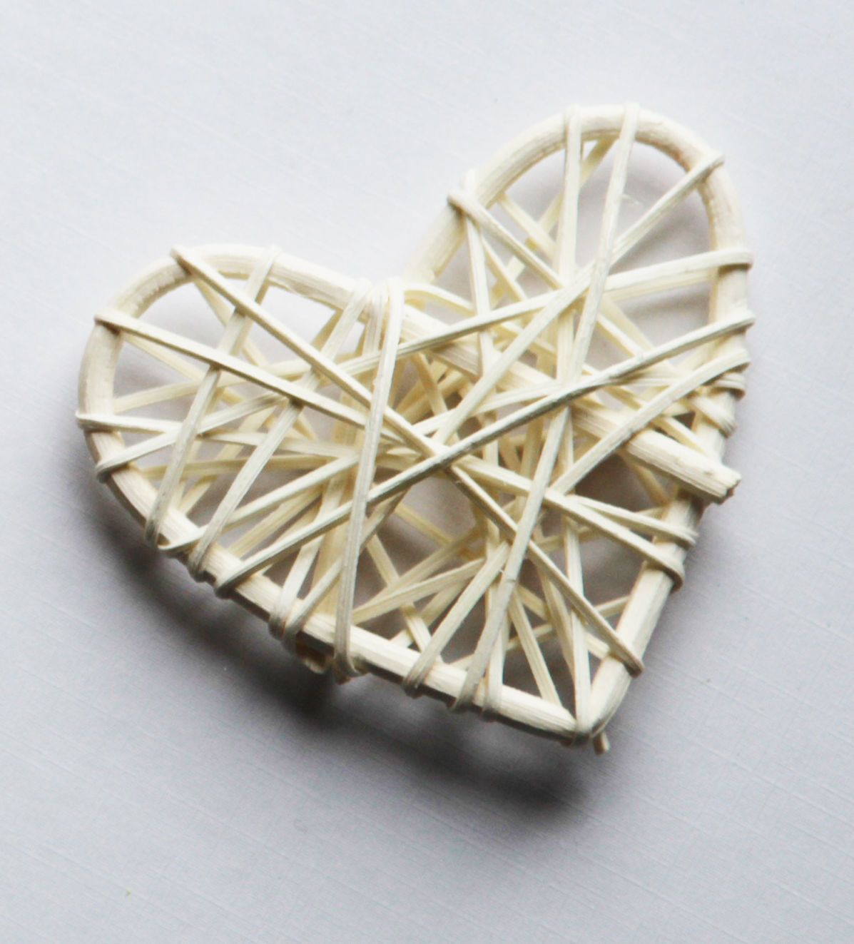 Mydecorations other home dcor ebay home garden 115aud white rattan wicker cane heart wedding event florist romantic table room decor junglespirit Image collections