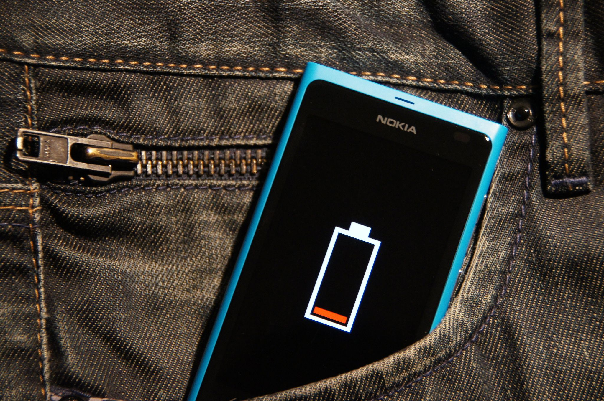 8 Essential Tips To Keep Your Phone's Battery Healthy