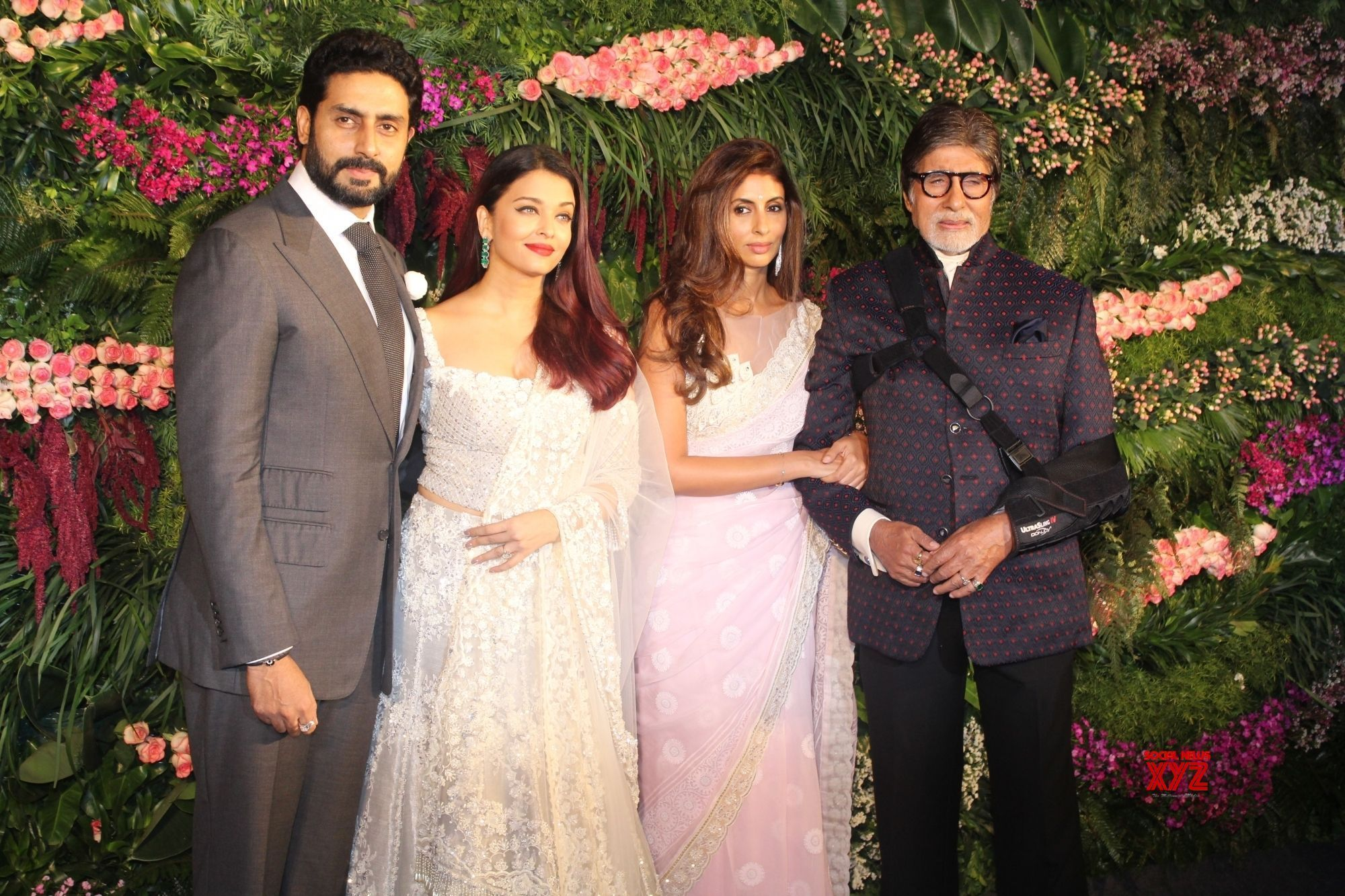 Aishwarya rai wedding dress  Mumbai Virat Kohli Anushka Sharmaus wedding reception Amitabh