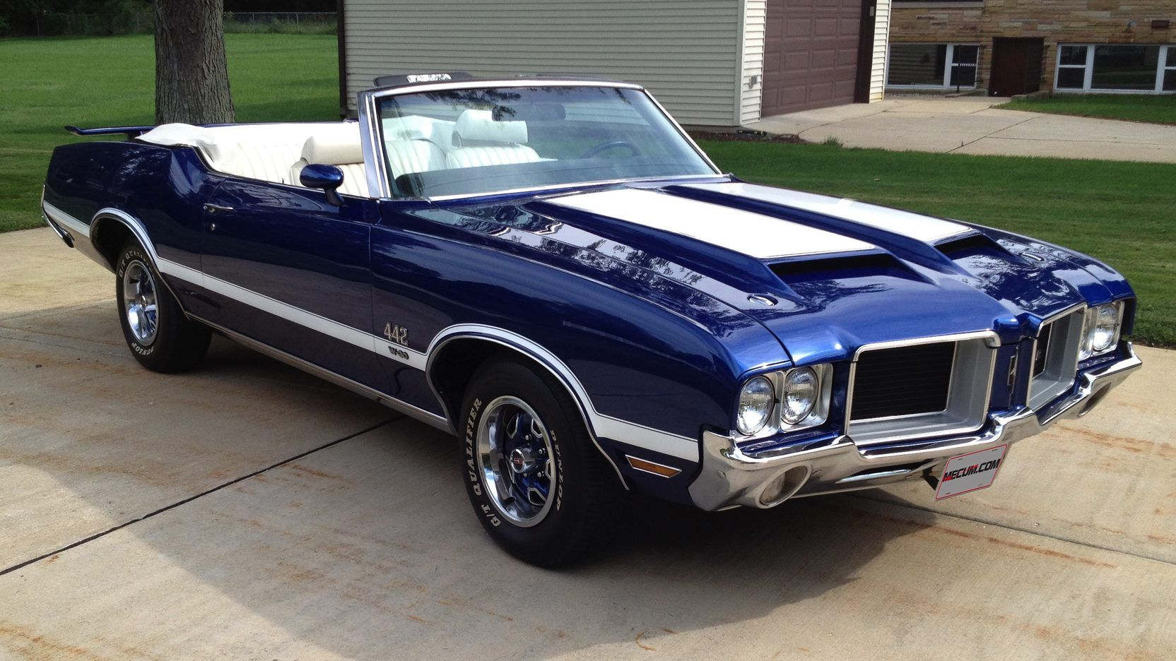 1972 Oldsmobile 442 Convertible presented as Lot F203 at St ...