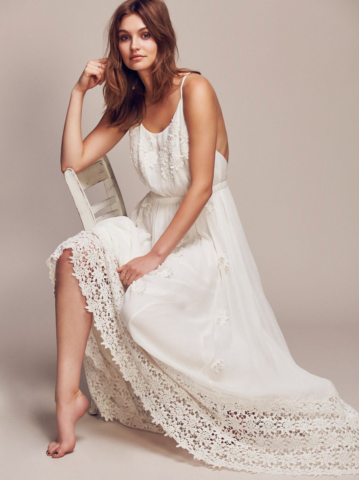 Daisy petal maxi flowy maxi dress with lovely beaded petal daisy petal maxi flowy maxi dress with lovely beaded petal accents throughout and a gorgeous ombrellifo Image collections