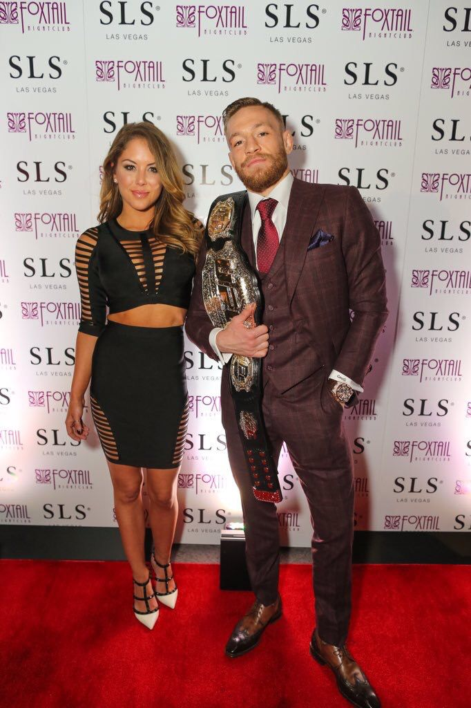 Pin By Deb Field On The Notorious Conor Mcgregor Conor Mcgregor Style Mcgregor Suits Conor Mcgregor Suit