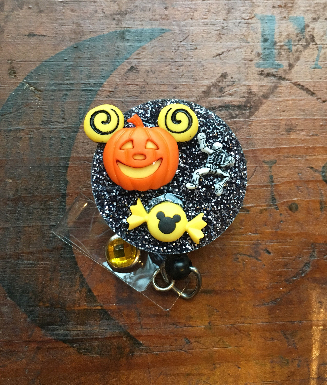 Disney halloween mickey minnie jackolantern id badge