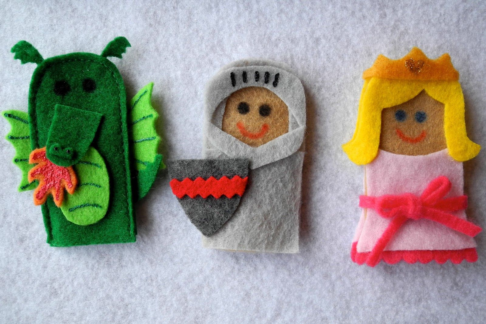 vingerpoppen en handpoppen maken met vilt - knutseltip sprookjesfiguren