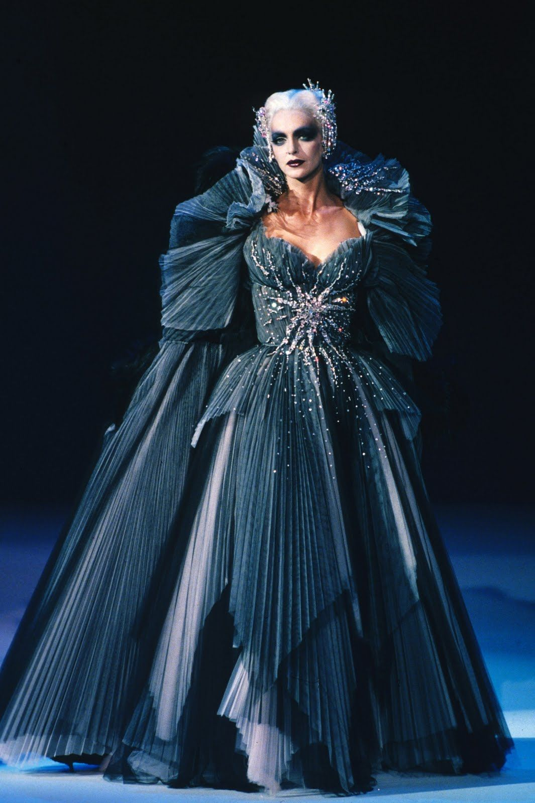 Thierry Mugler this drag queen certainly beats up the \