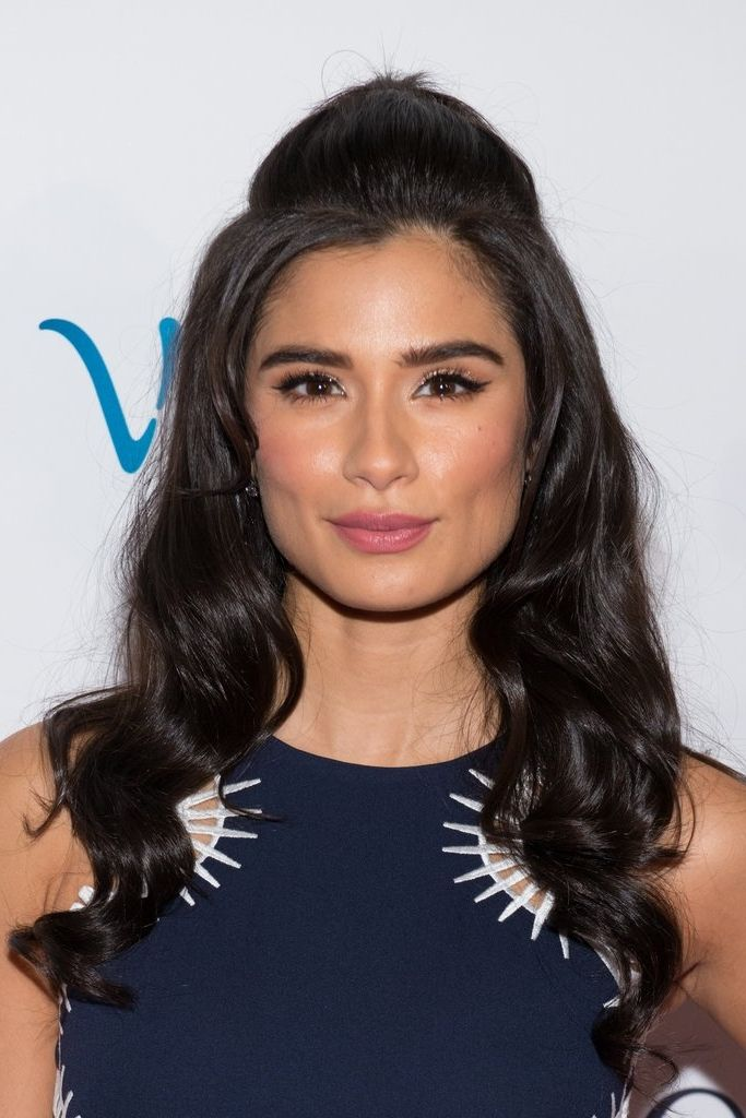 No makeup look screams Spring quite like bright, rosy pink cheeks. And Orange Is the New Black's Diane nailed the look, pictured here recently on the red carpet of an Orgullosa event at the Paley Center.