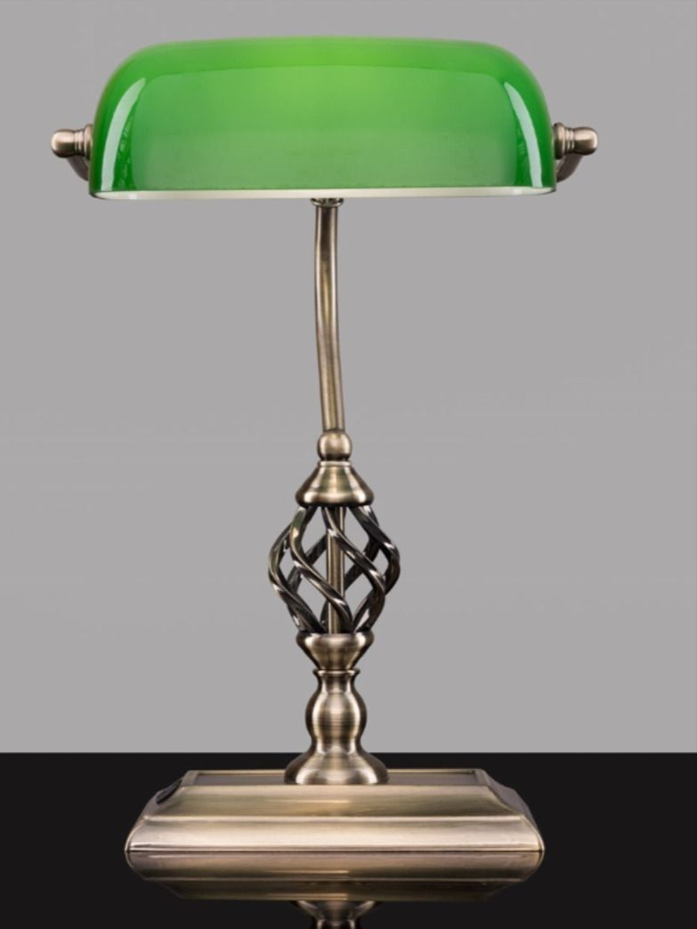 Kingswood Barley Twist Bankers Desk Lamp With Usb Charging Port Green Glass In 2020 Bankers Desk Lamp Desk Lamp Traditional Table Lamps