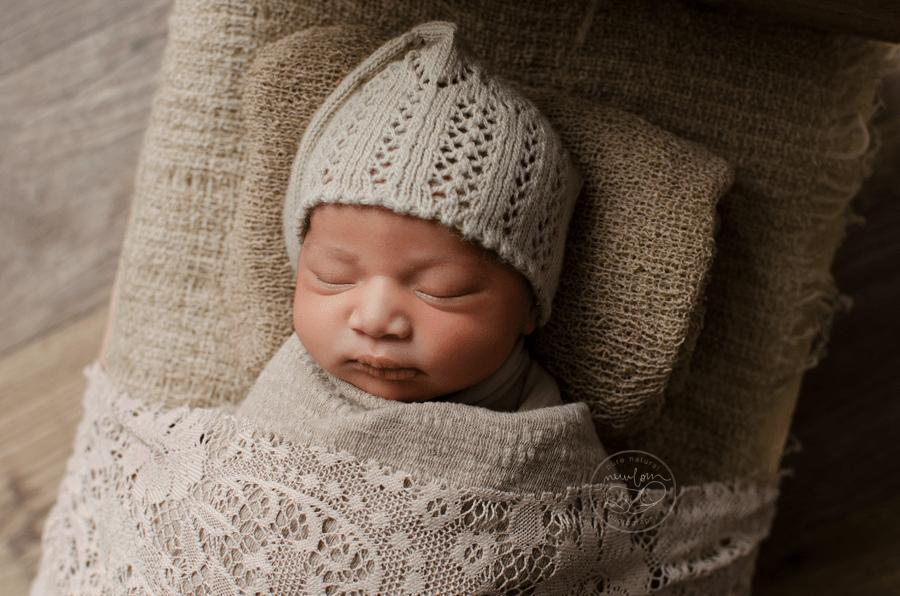 Newborn baby harlow 3 days new ottawa baby photographer pure natural newborn photography