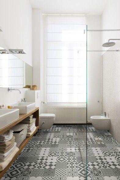 retro tegel in combinatie met strakke badkamer voor een droomlook ...