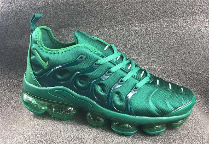 green vapormax plus