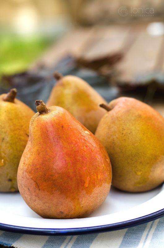 Pears, Seasonal
