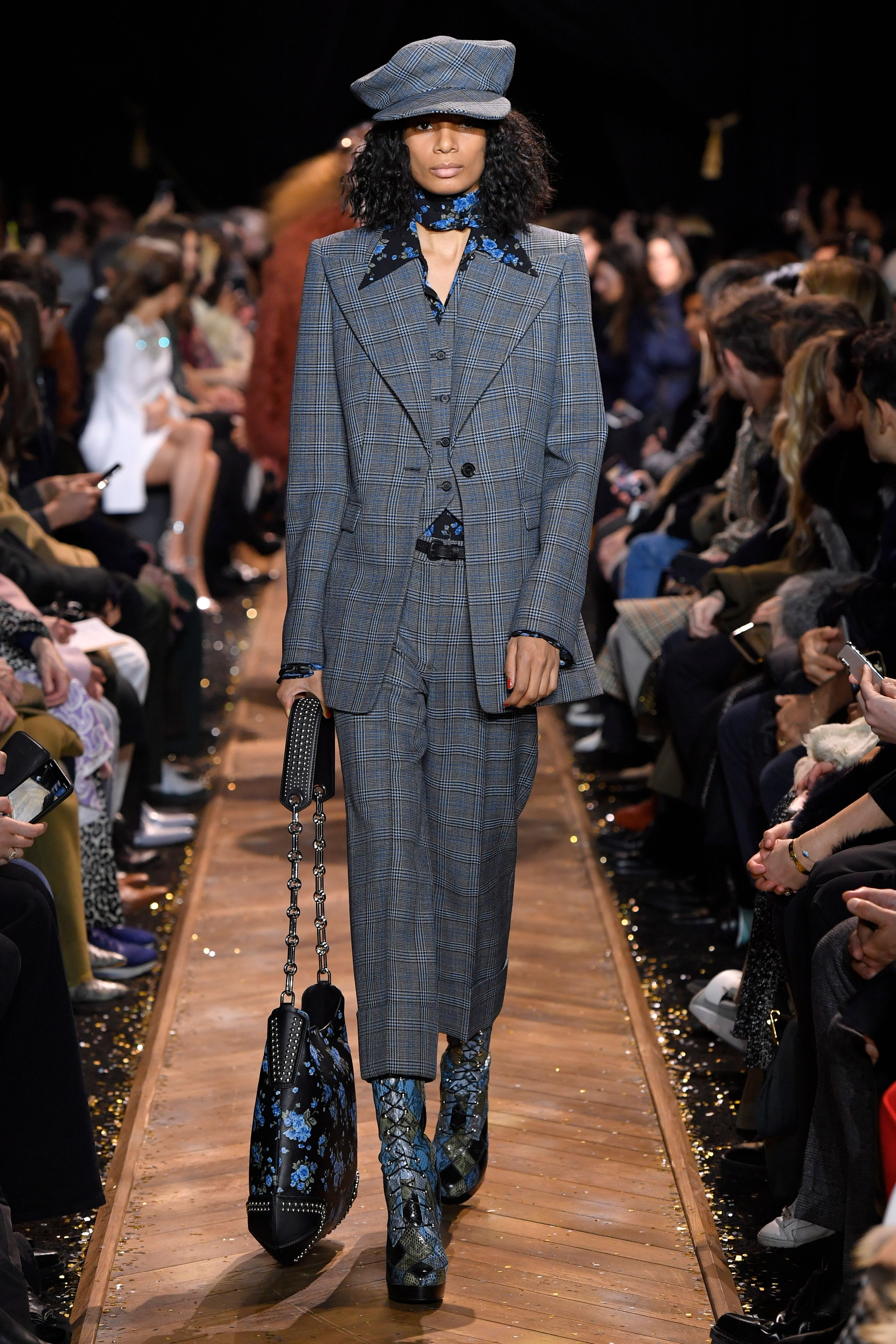 0f704c3062 Look 21 from the Fall 2019 Michael Kors Collection. #AllAccessKors ...