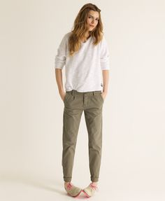0b6992bf7f29 Women's Chinos - exciting alternative to ladies jeans Women's Chinos  superdry classic chinos. i like how the cuff makes it tapered VOLYDVT