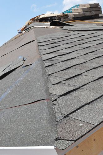 How To Shingle A Roof 90 Pics Pro Tips Recommendations Diy Roofing Roof Repair Roofing