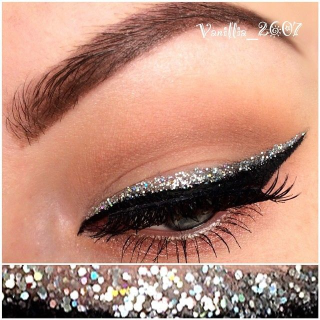 #EyeMakeupBronze #glittereyeliner