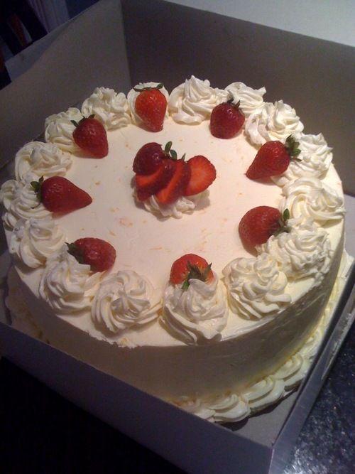 Strawberry Cake Decorations Cake Ideas Pinterest