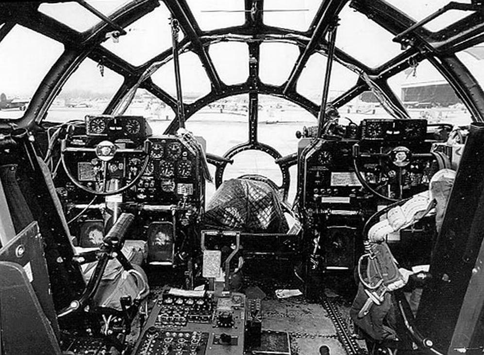 B29 cockpit. Vliegtuig, Woii en Wereldoorlog