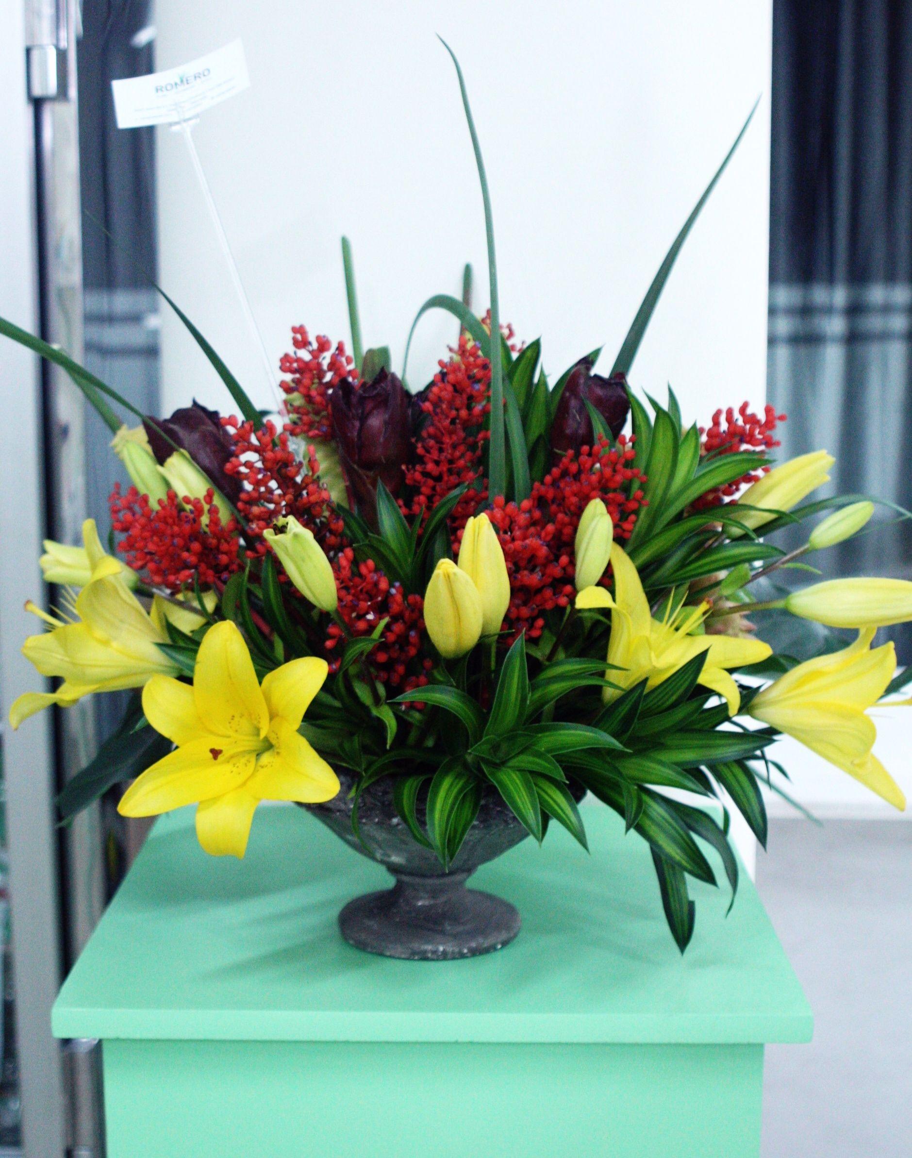 Arreglo De Lirios Tulipán Tropical Jamaica Y Pacaya L