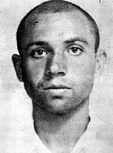 Miguel Hernández: (Orihuela, 30 de octubre de 1910 – Alicante, 28 de marzo de 1942) fue un poeta y dramaturgo español del siglo XX. Perteneció a el grupo poético del 27 y a la Generación del 36.