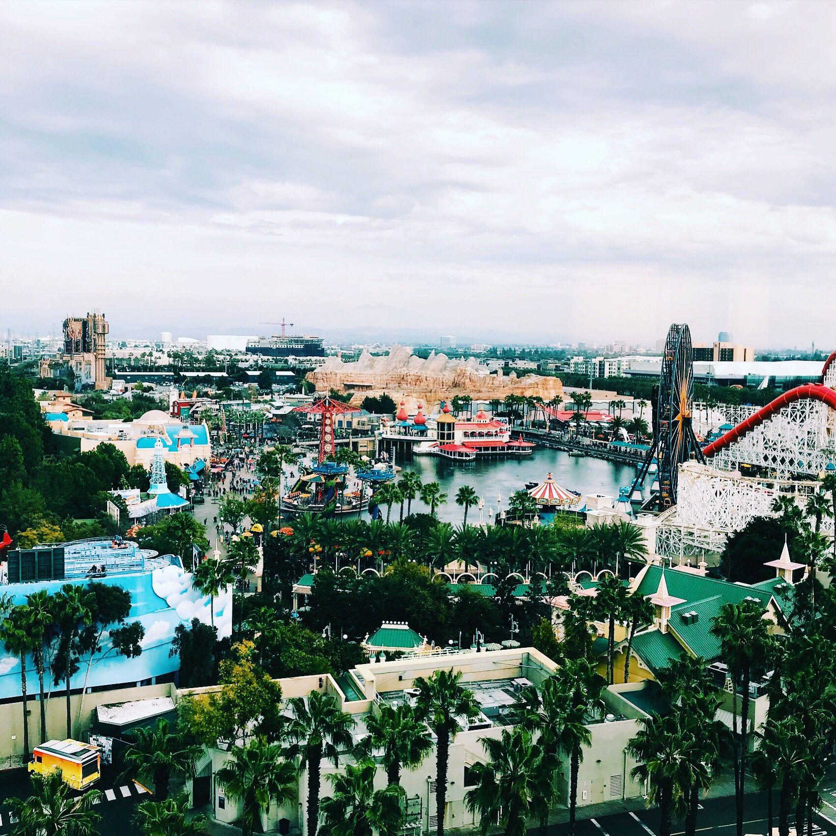 Paradise Pier Hotel Overlooks Disney California Adventure
