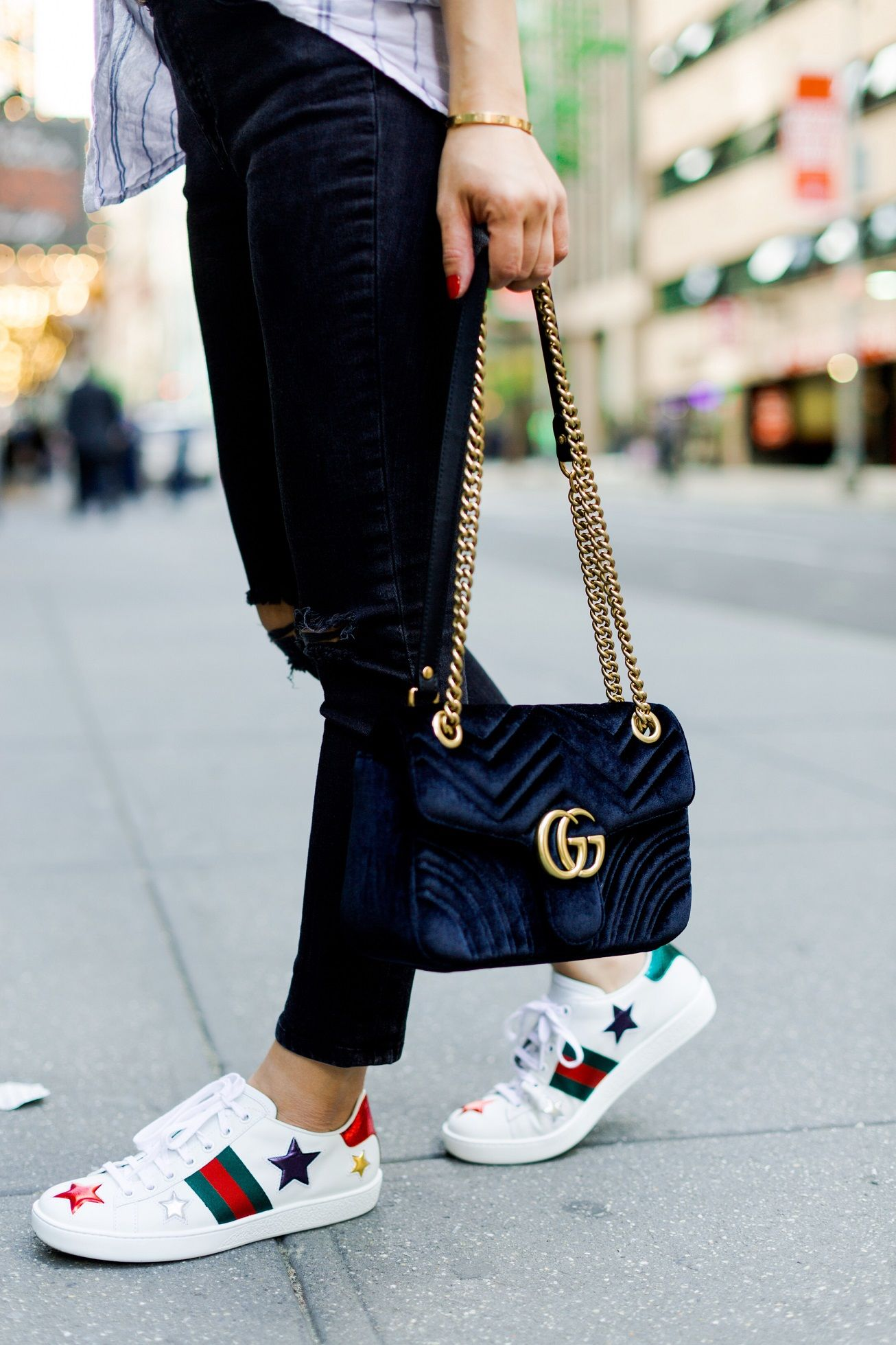 poshclassymom-casual-street-style -new-york-zara-striped-shirt-anine-bing-distressed-jeans-gucci-star-sneakers-gucci-marmont-velvet- bag-6 9c42a8869459c