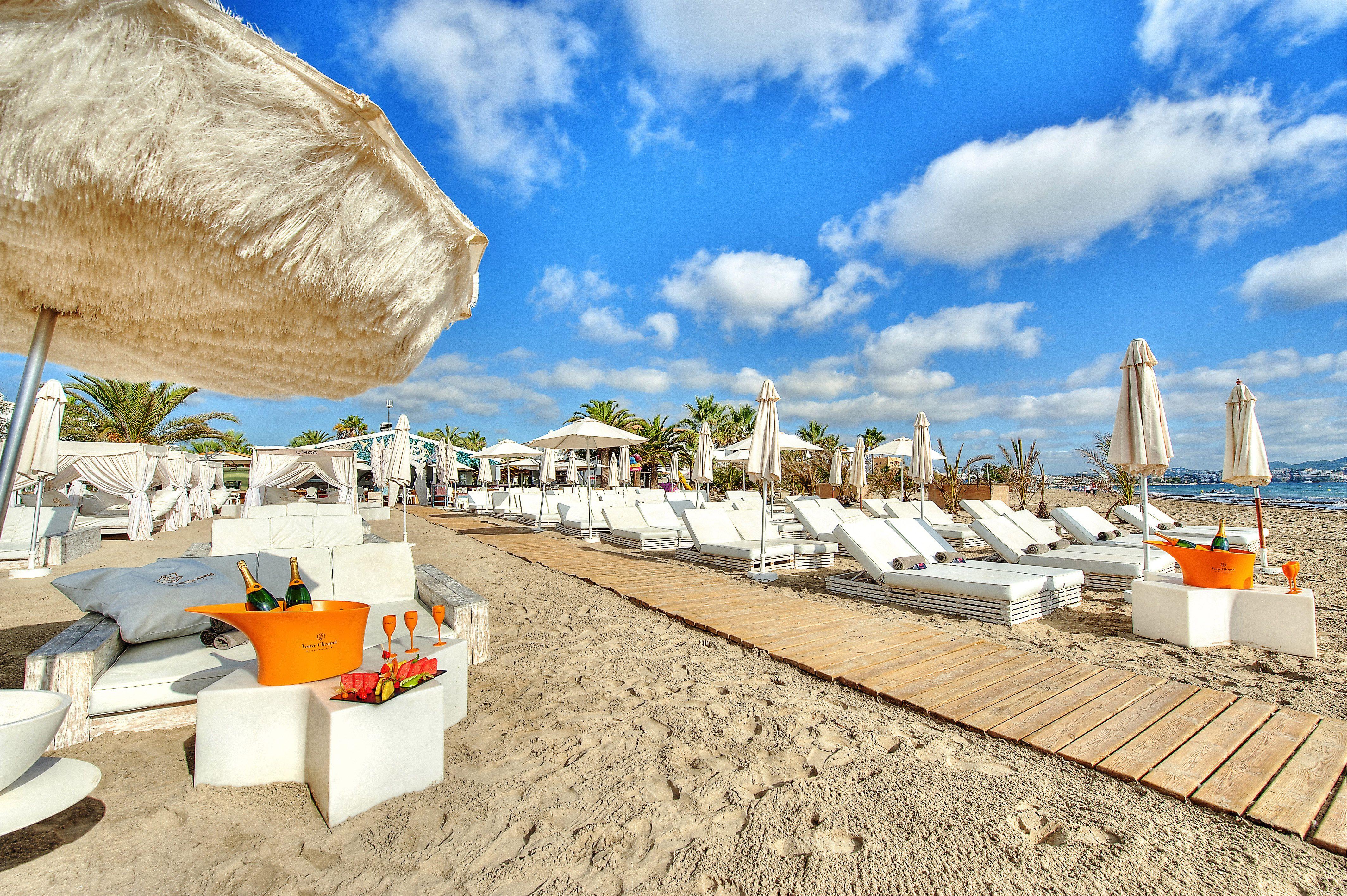 Ushuaia Beach Club Restaurant Ibiza Playa D En Bossa Ibiza Beach Hotel Ibiza Beach Beach Hotels