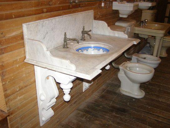 Exceptionnel Antique Marble Sink