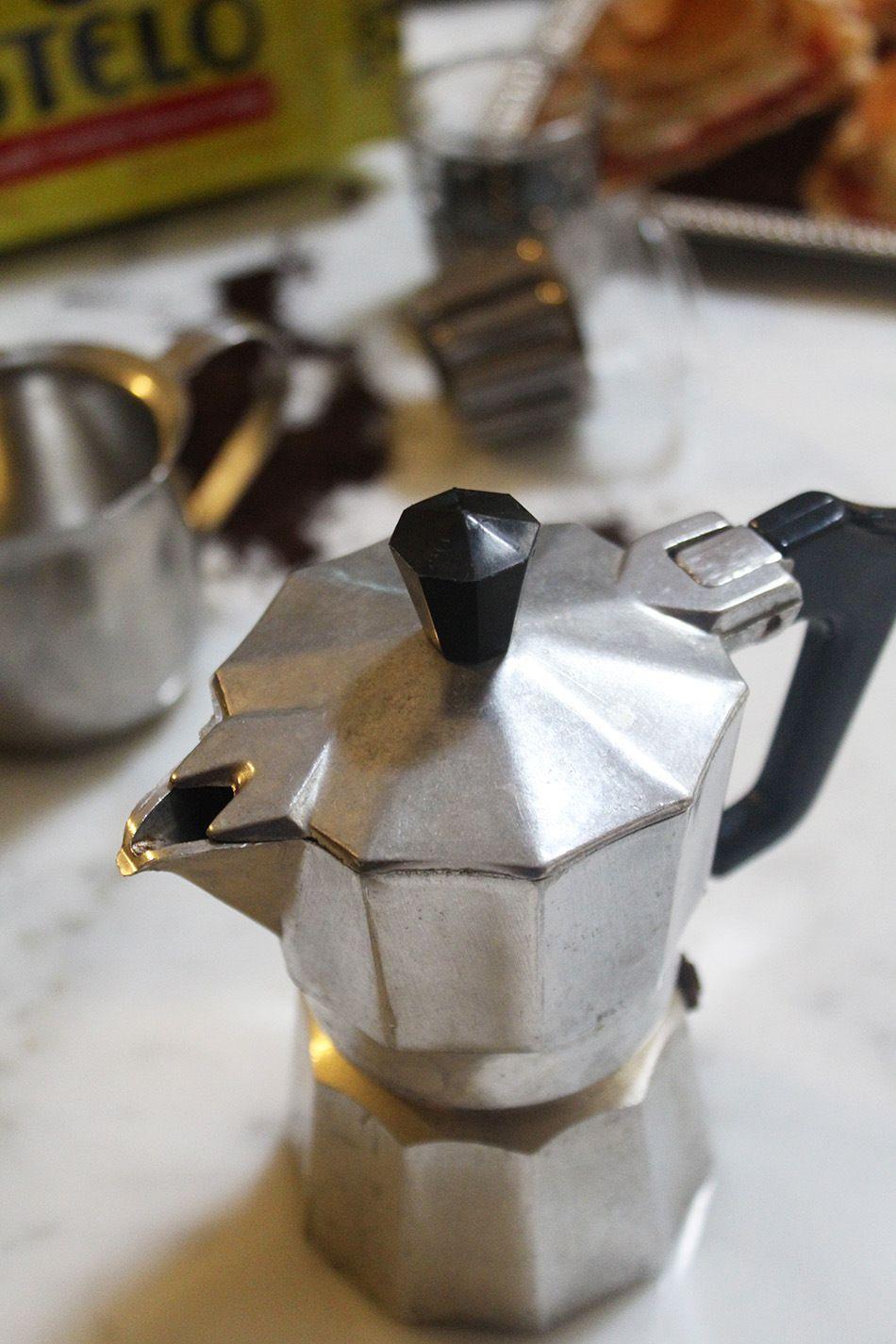 Café cubano Recipe Milk cafe, Coffee drinks, Coffee