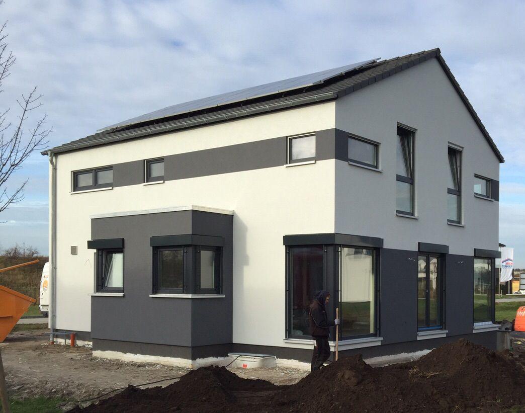 24 november 2015 das ger st ist abgebaut und offenbart eine tolle aussenfassade haus. Black Bedroom Furniture Sets. Home Design Ideas