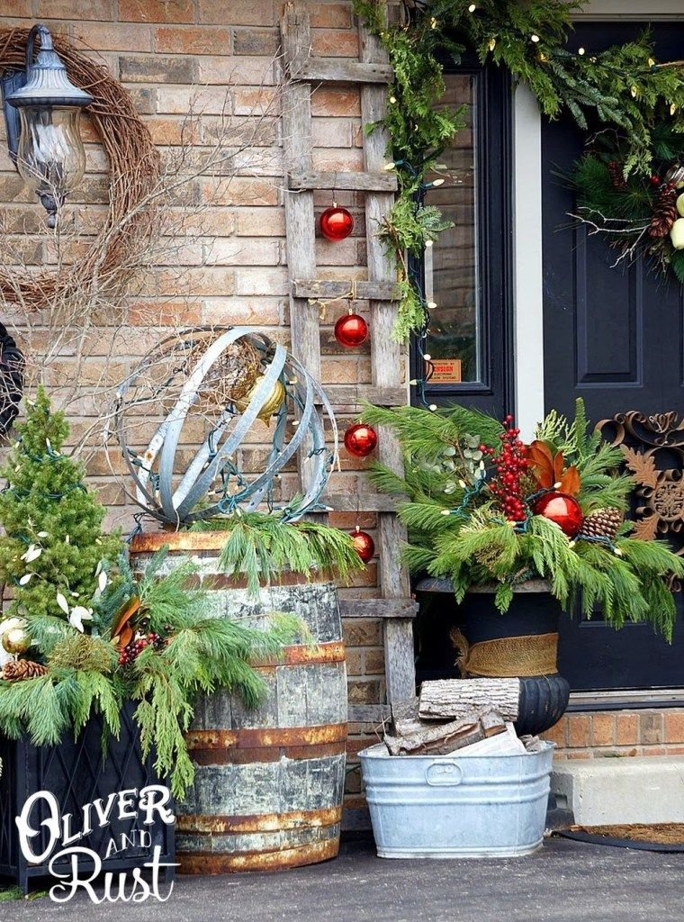 Elegant Rustic Christmas Decoration Ideas That Stands Out 24 Christmas Decorations Rustic Front Porch Christmas Decor Outdoor Christmas Decorations
