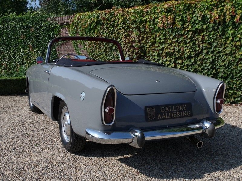 vente voiture ancienne de collection simca oc ane aronde p60 sport oceane convertible petite. Black Bedroom Furniture Sets. Home Design Ideas