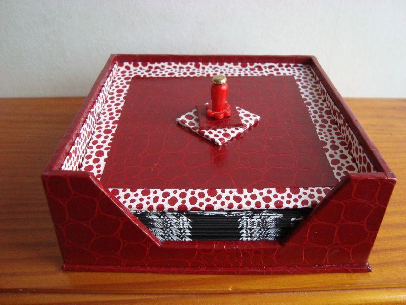 Boite A Serviettes Cocktail Les Fourmis Dans Les Doigts Cartonnage Boite Tuto Cartonnage Decorer Boite En Carton