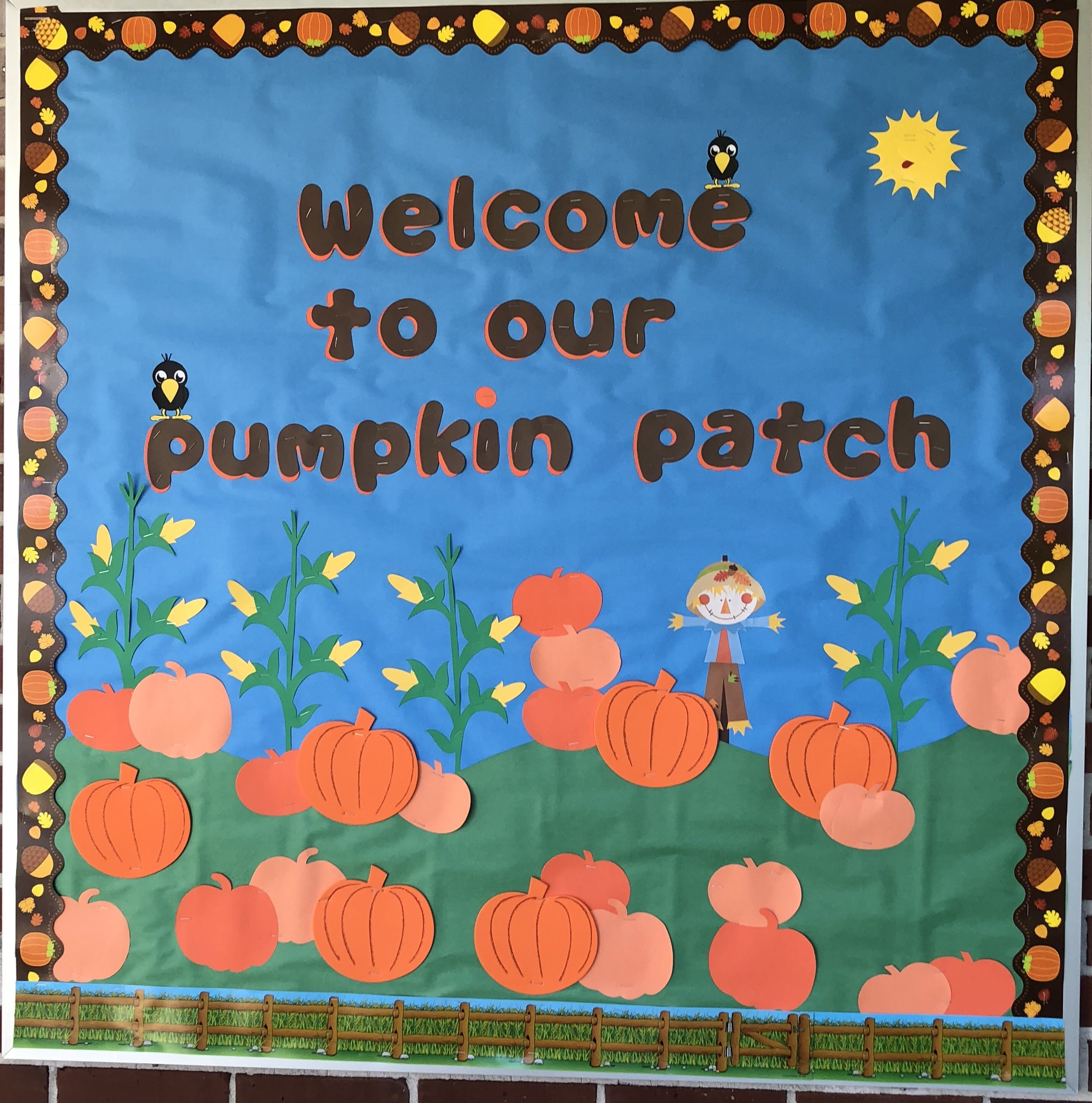 Fall bulletin board  #pumpkinpatchbulletinboard Pumpkin patch #fallbulletinboards