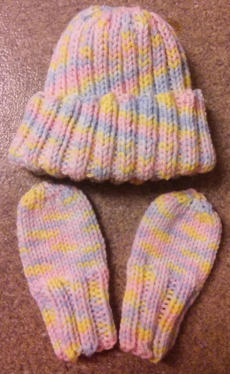 Almost The Same Newborn Hat Mitten Set Free Pattern Baby Mittens Knitting Pattern Baby Mittens Pattern Baby Mittens Knitting
