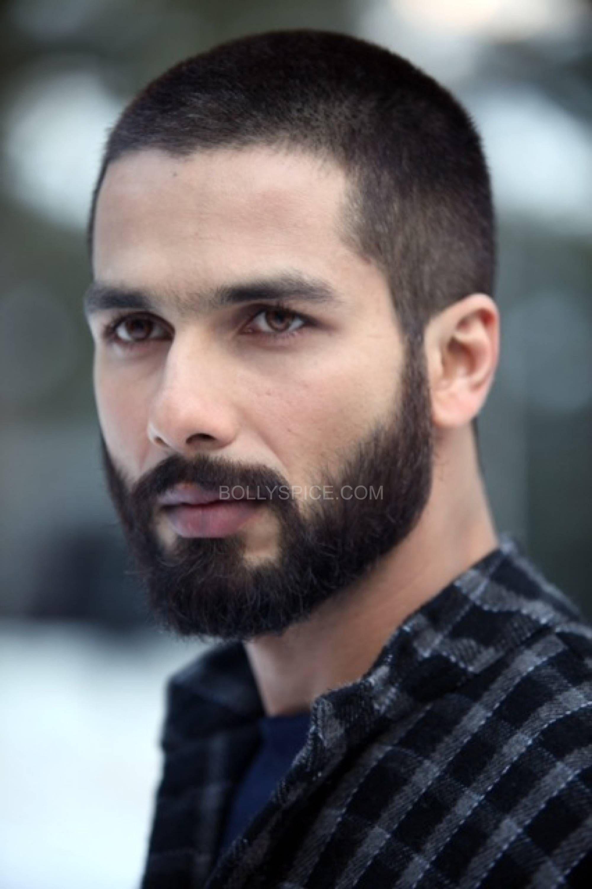 shahid kapoor  Beard styles short, Mens summer hairstyles, Very