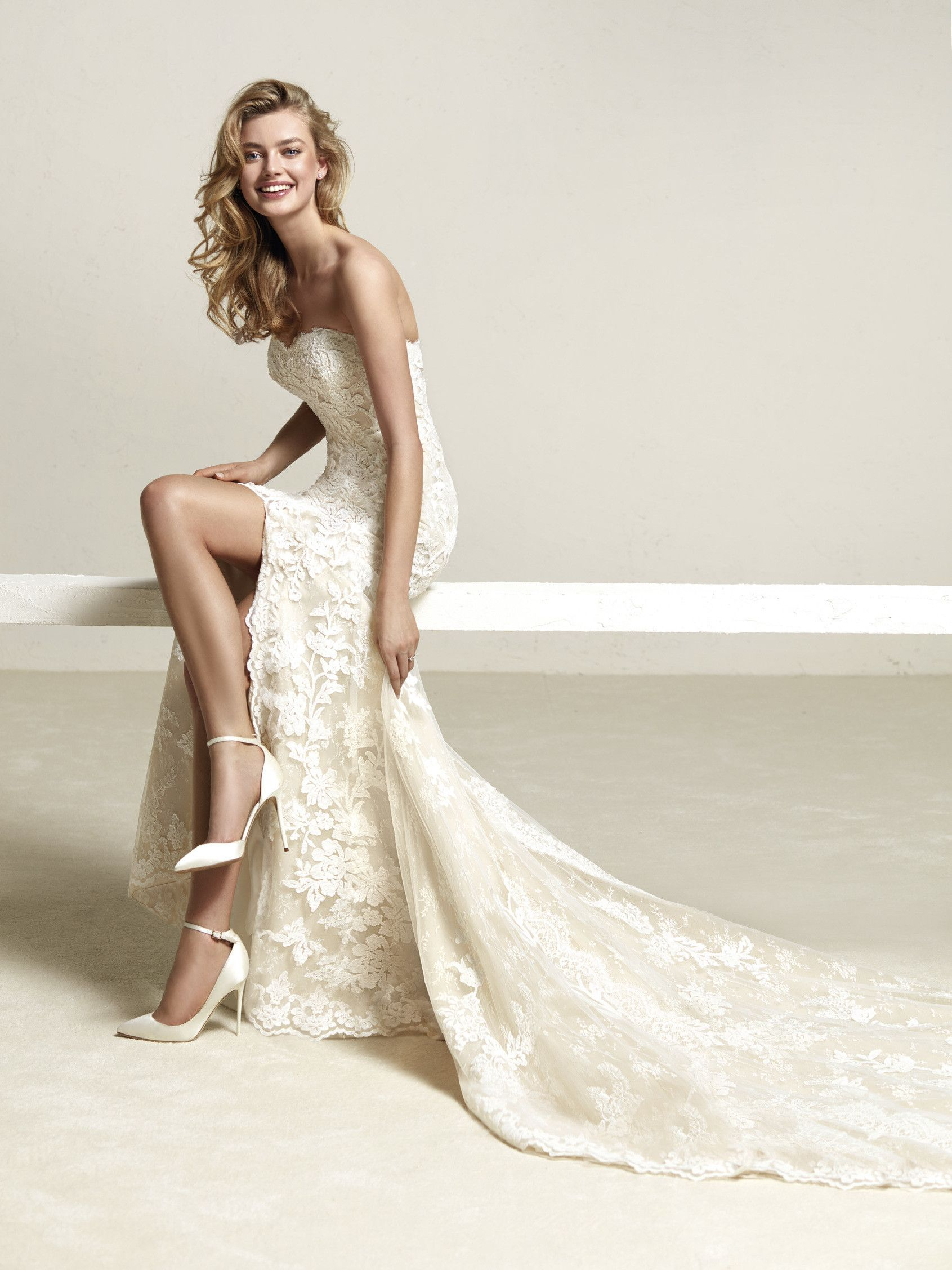 Wedding dress full skirt and lace