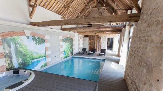 Espace d tente piscine int rieure chauff e spa hammam for Piscine interieure