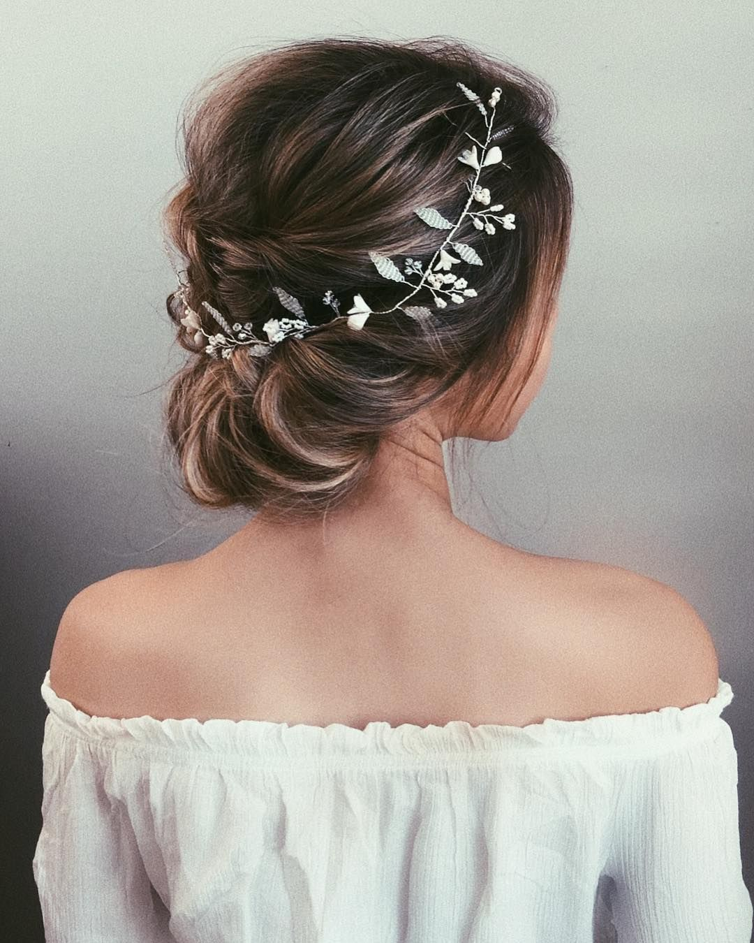 87 Fabulous Wedding Hairstyles For Every Wedding Dress Neckline Bride Hair Down Strapless Dress Hairstyles Wedding Hair Inspiration