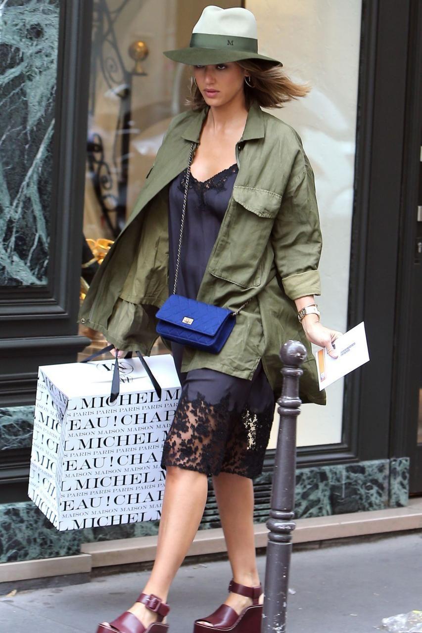 aldo shoes 14th street nyc shopping photos jennifer alba