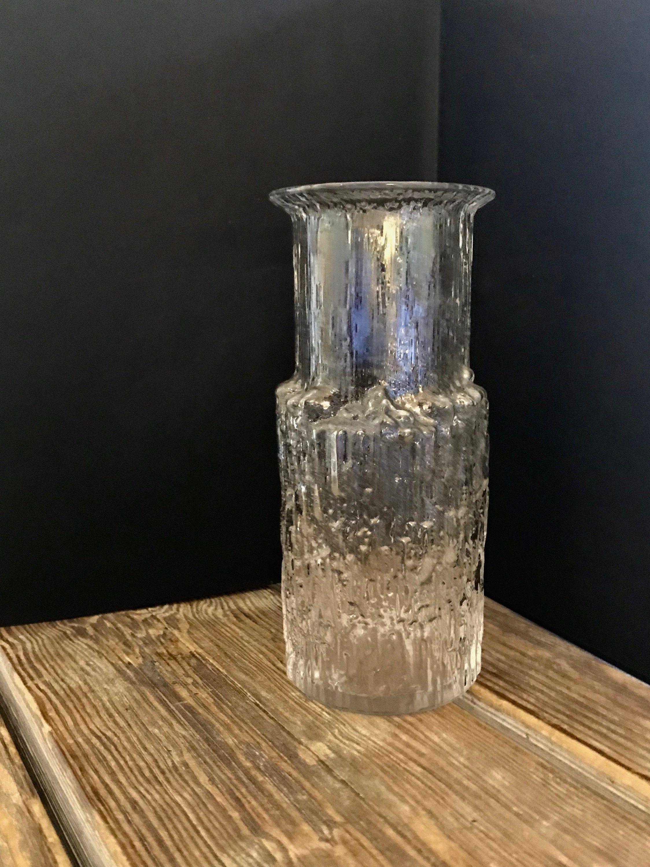 70s Iittala Finland Arnica Icicle Flower Vase 7 1 8 Inches Tall Tapio Wirkkala Iconic Scandinavian Art Glass Midcentury Modern Design In 2020 Scandinavian Art Glass Art Flower Vases