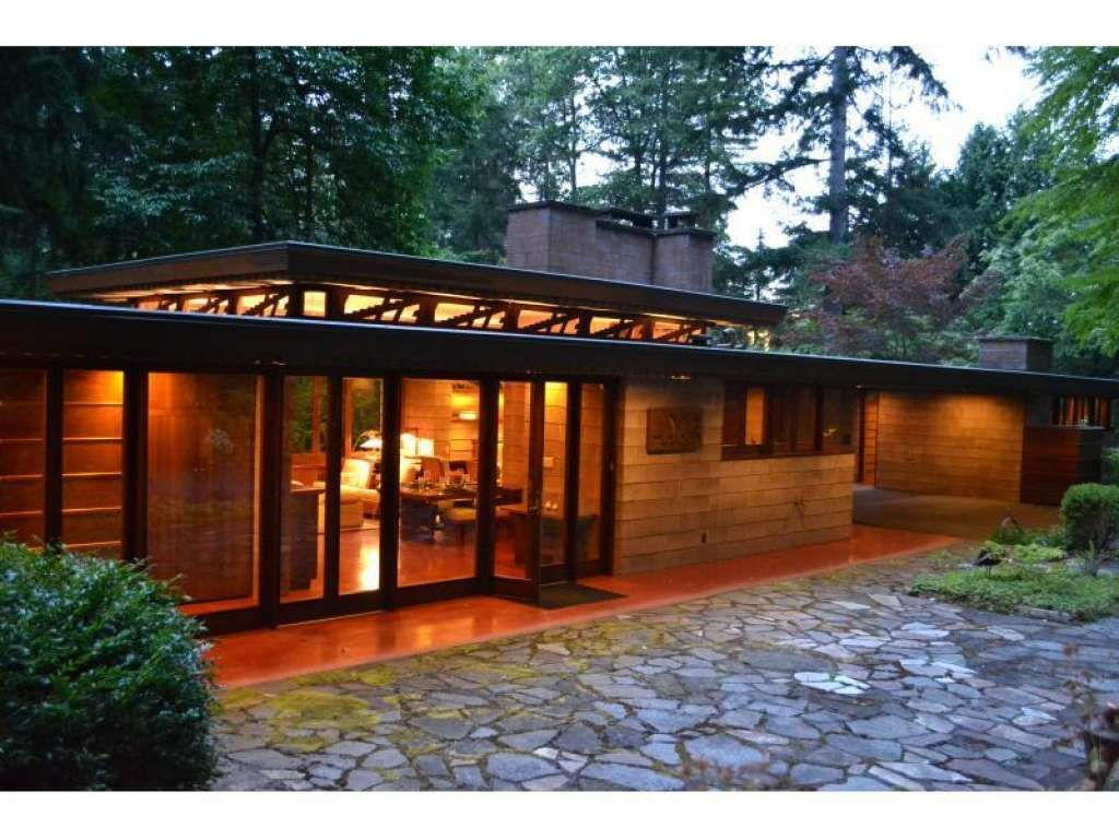 Brandes home sammamish washington 1952 usonian style for Frank lloyd wright style homes