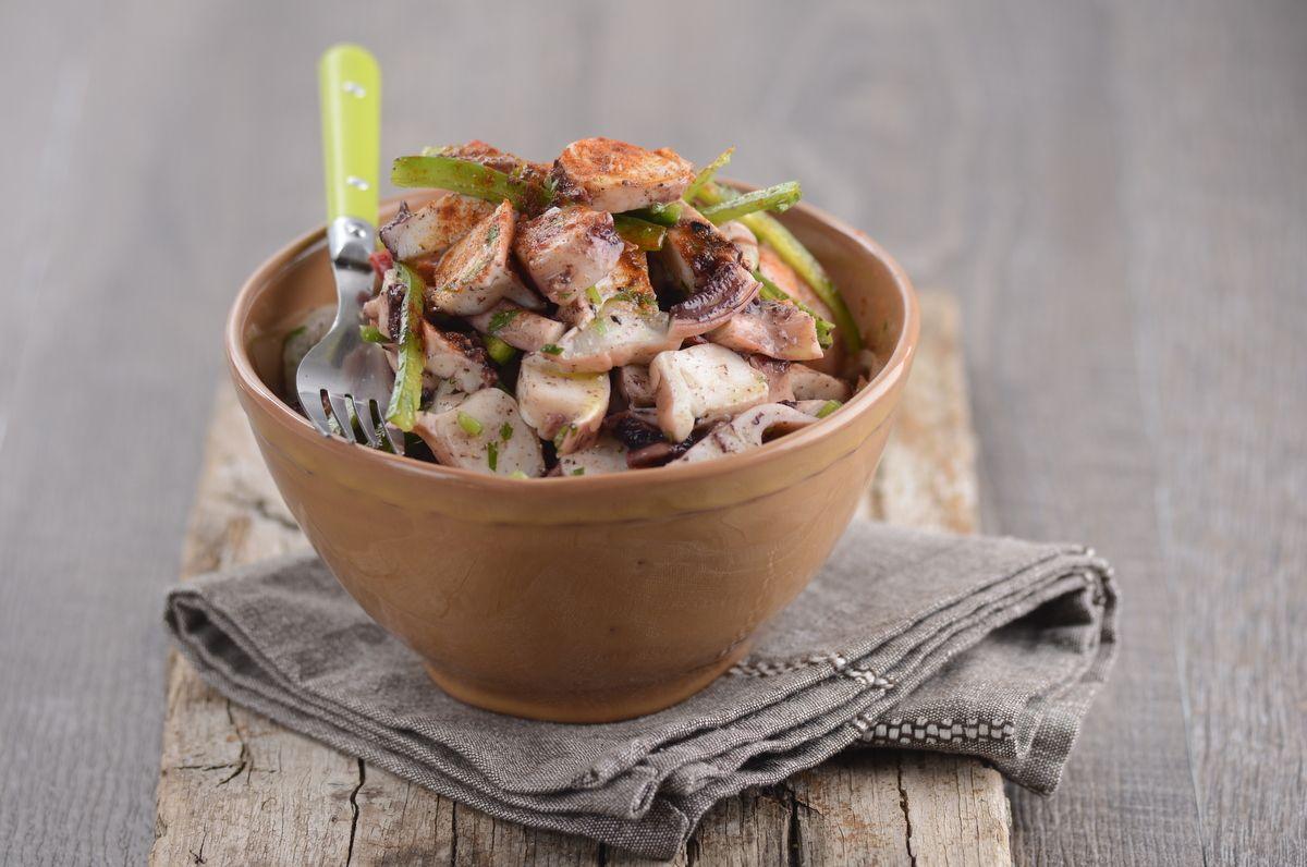 Receita de Salada de polvo com pimentos e coentros. Descubra como cozinhar…