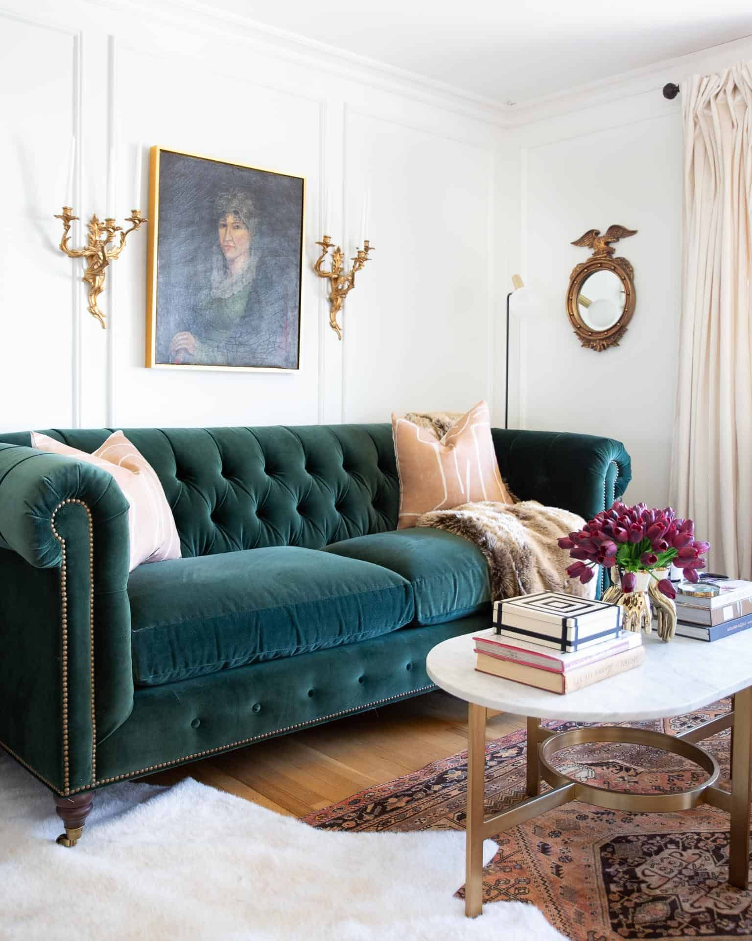 Before & After: A Classic Glamour Living Room Reveal  Grüne