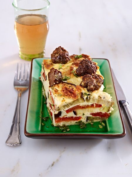 low carb abendessen 15 schlanke rezepte auberginen joghurt auflauf mit hackb llchen essen. Black Bedroom Furniture Sets. Home Design Ideas