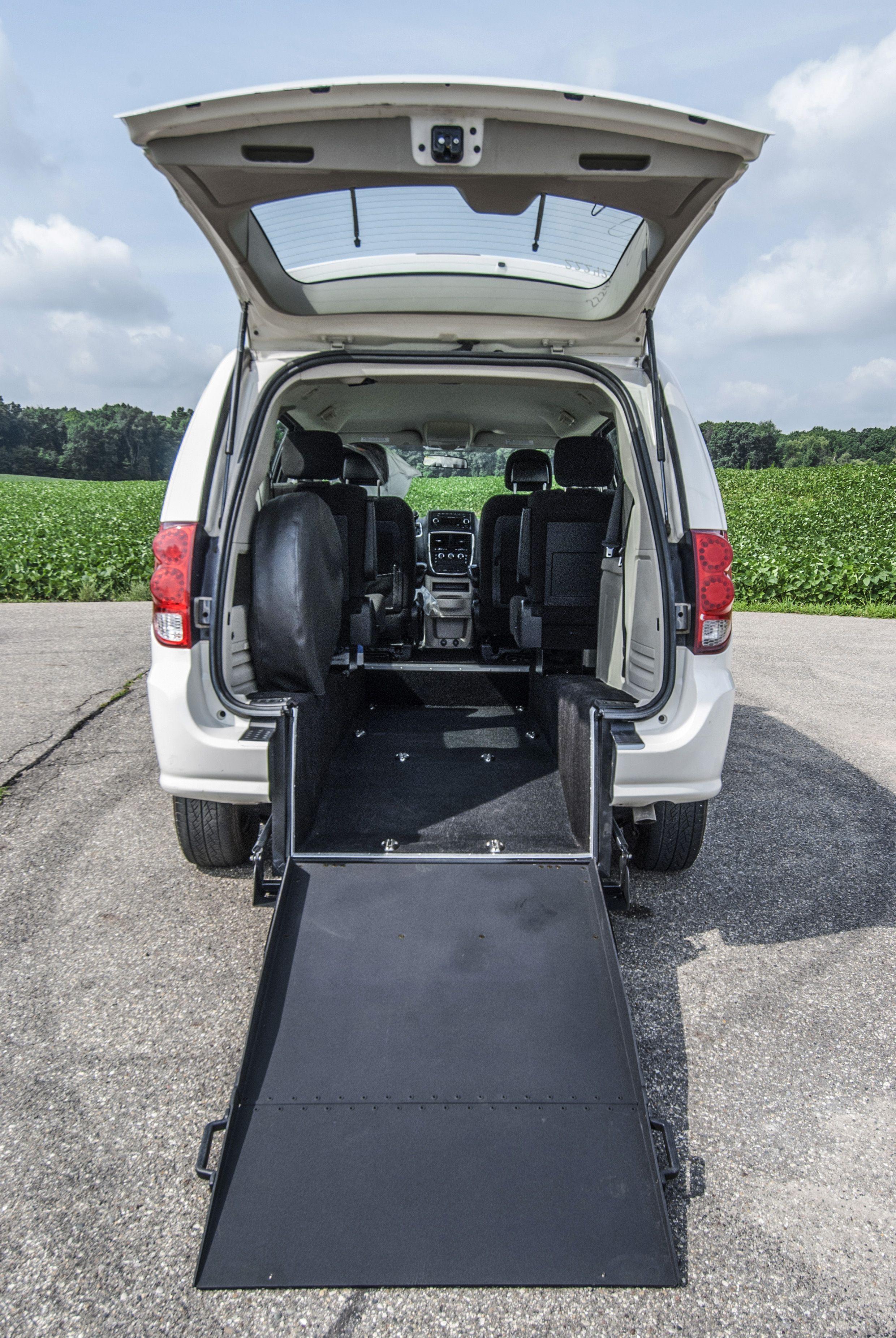 Manual rear entry dodge grand caravan accessibility freedommotorsusa accessible